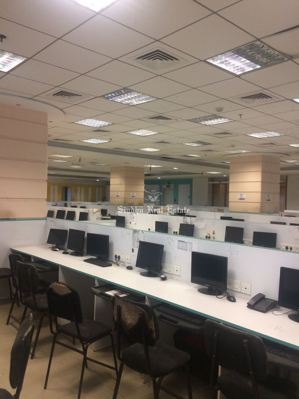 Comfortable Commercial Office For Rent at Salt Lake Sector-v