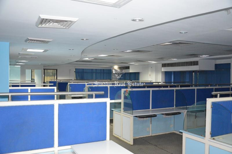 The furnished and unfurnished office spaces near at SDF Moor