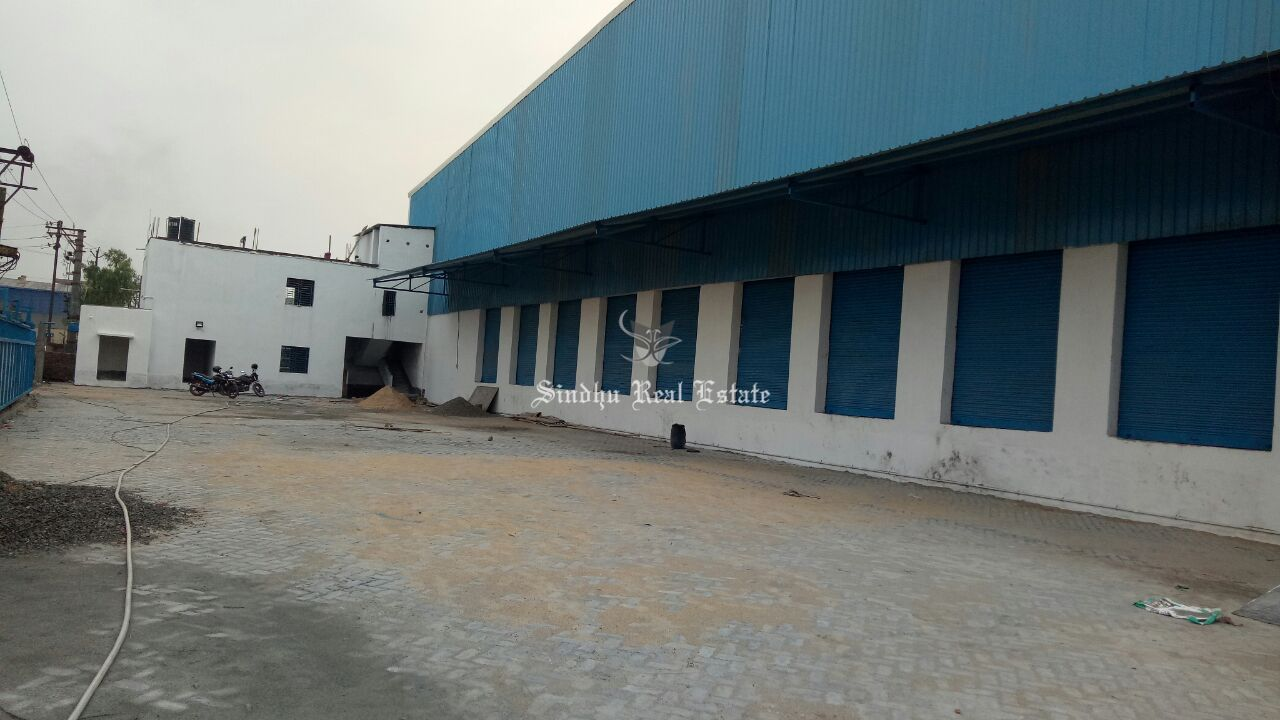 Warehouse for rent at Bombay Road