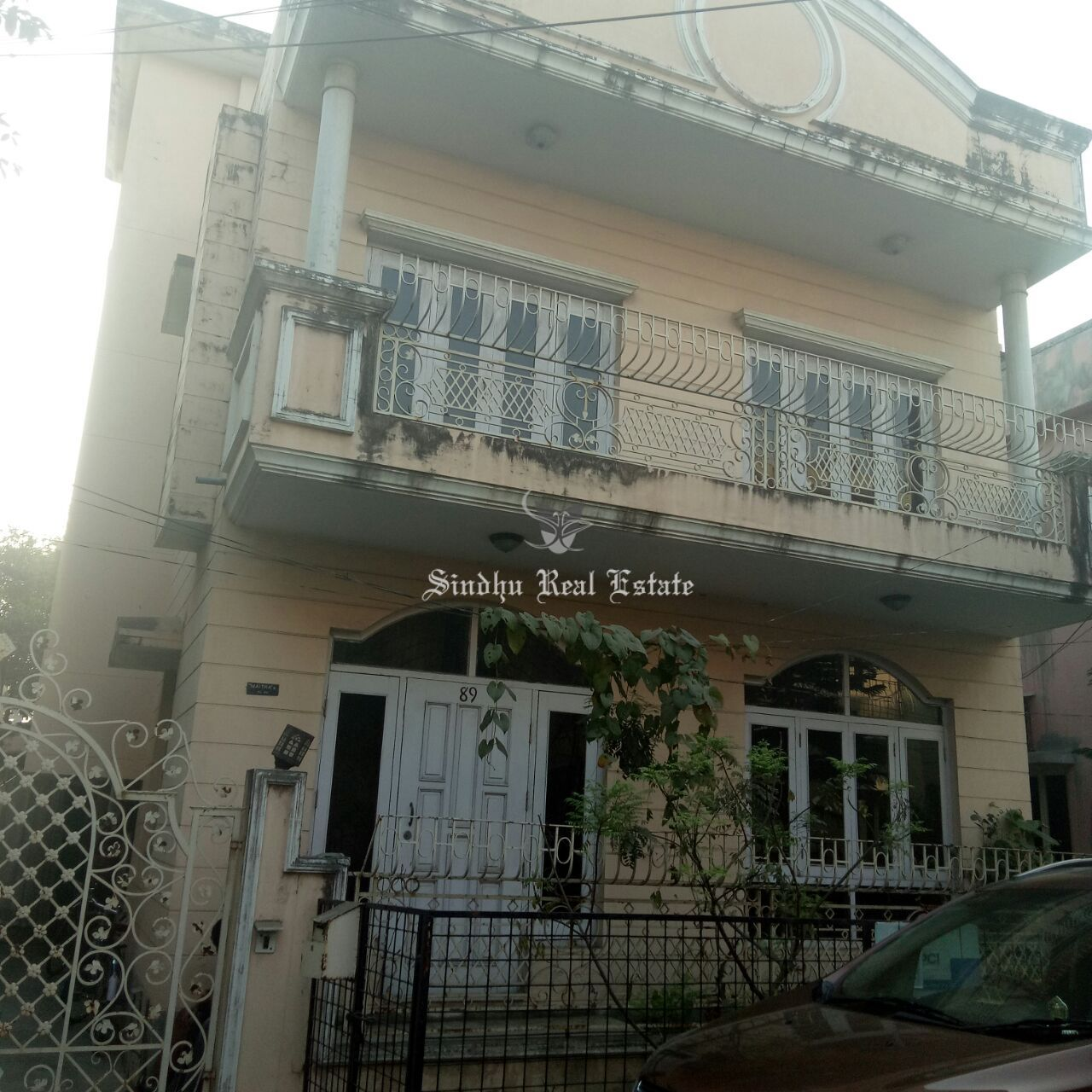Attractive and furnished bungalow for Sale in Salt Lake