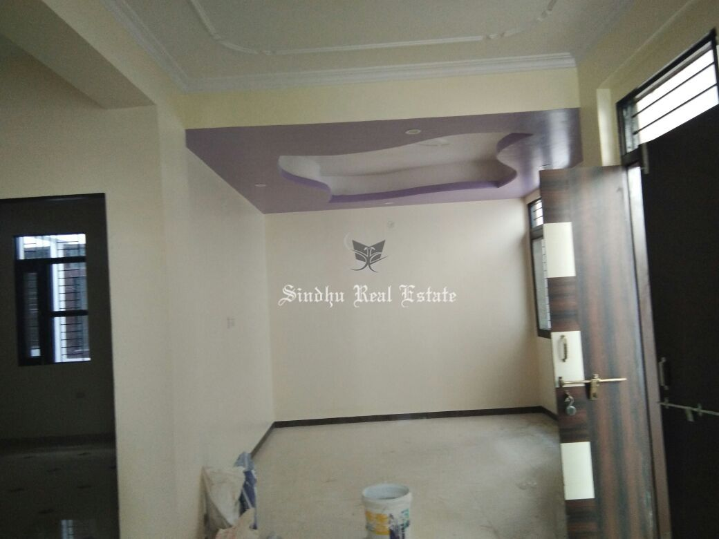 4 BHK unfurnished residential flat for rent in saltlake