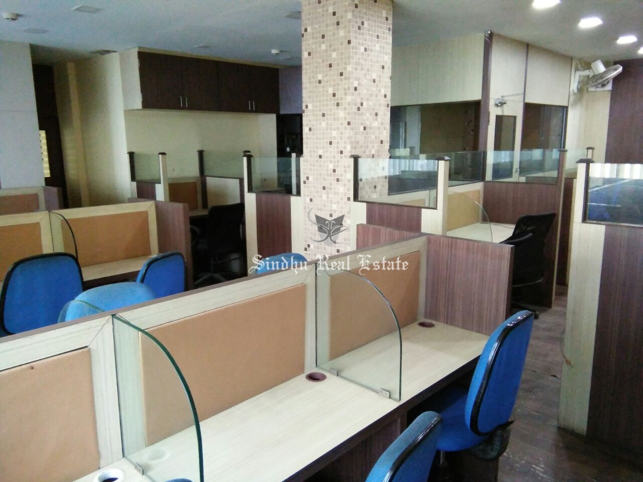 1600 sq ft commercial office space for rent at Salt Lake sector -5.