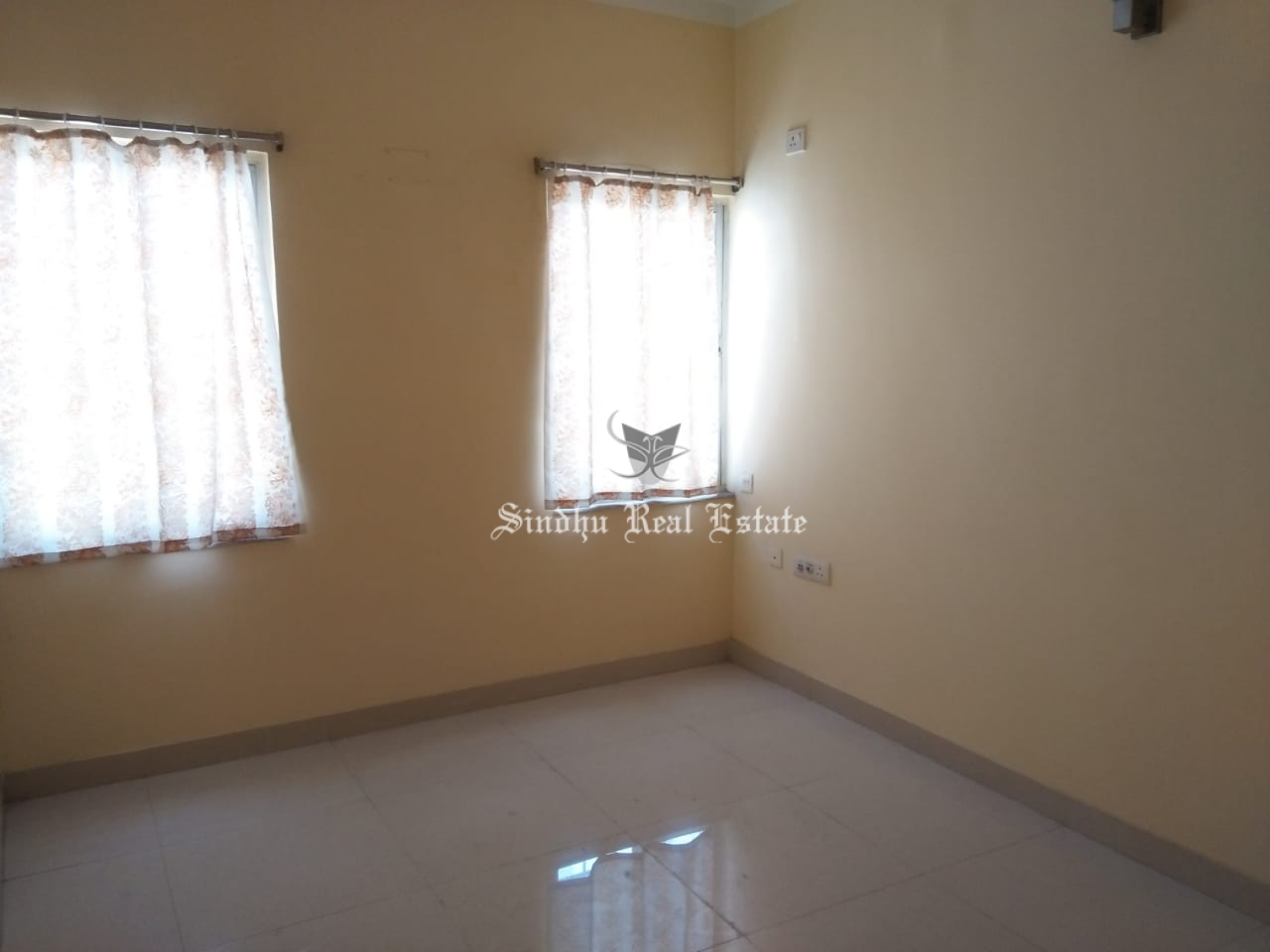 2 BHK residential property for rent in Salt-lake
