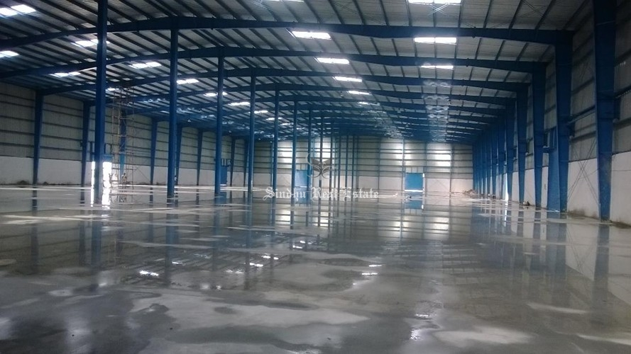 10000 sqft warehouse available on Bombay road