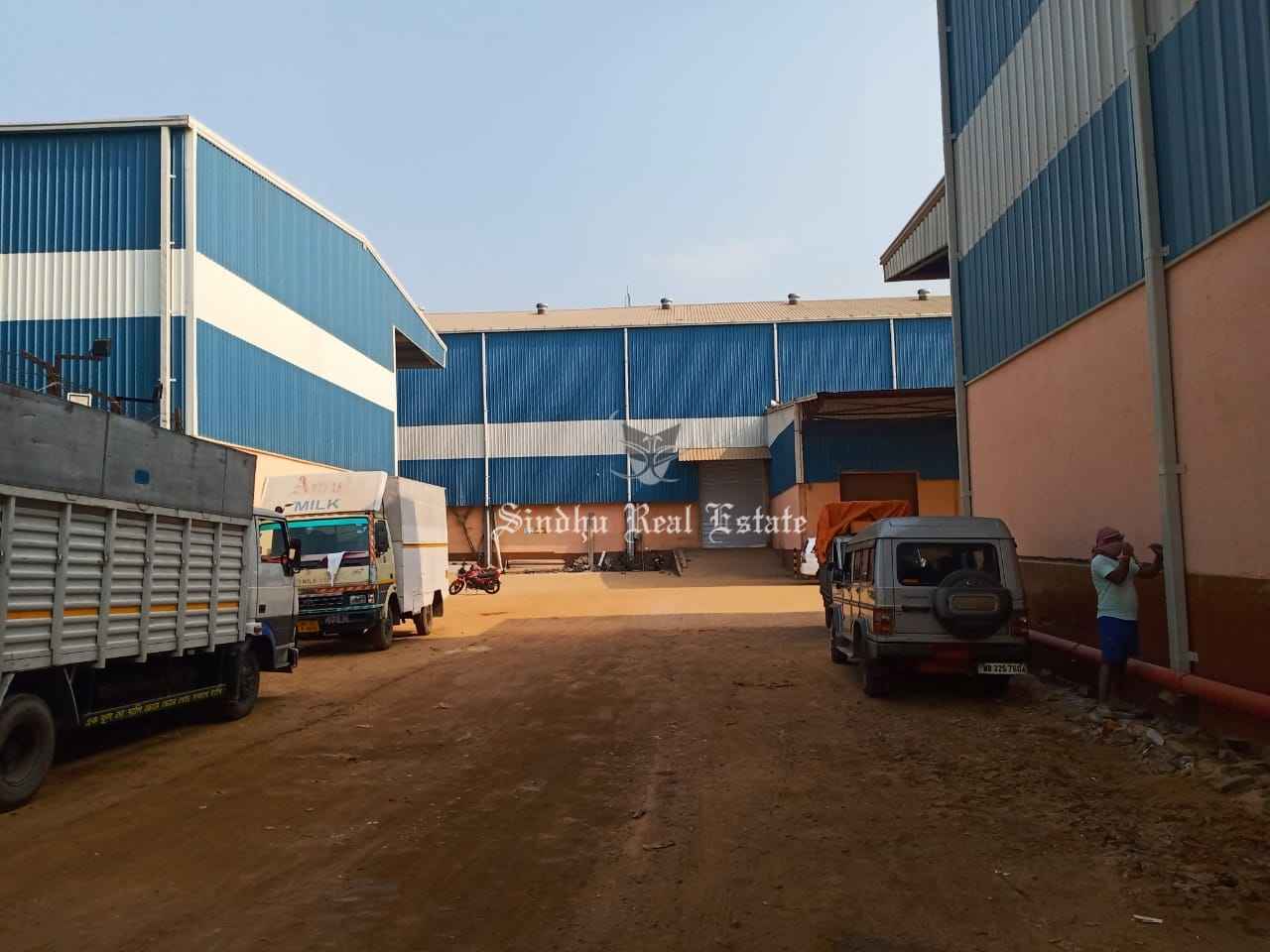 35000 sqft warehouse on NH 2