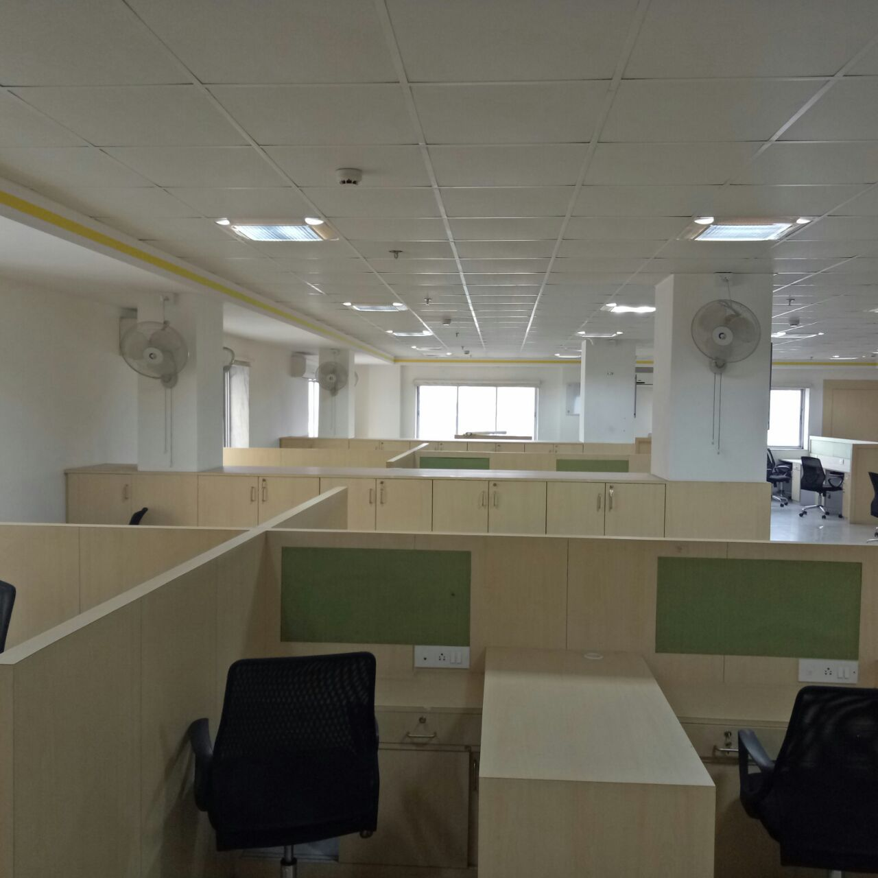 1600 Sq/ft Commercial Office Space For Rent at Salt Lake Sector-5