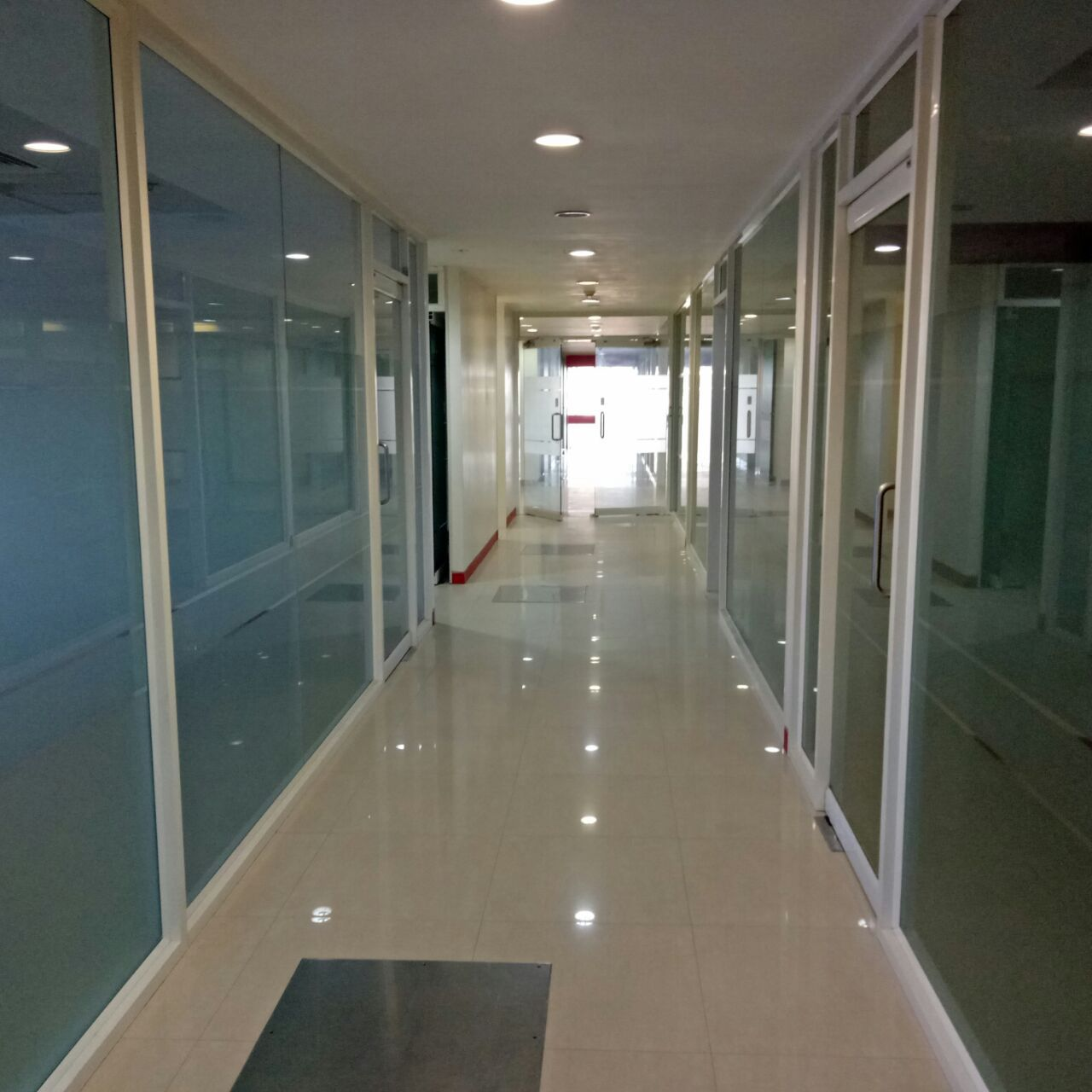 2200 sq/ft Commercial Office Space For Rent at Salt Lake Sector-5.
